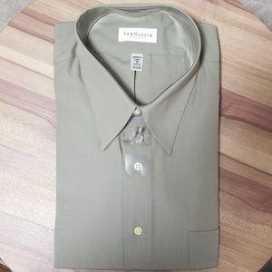 Van Heusen Fitted Wrinkle Free Dress Shirt